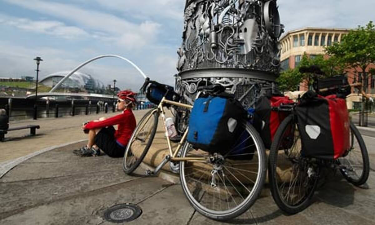 Quayside cyclist