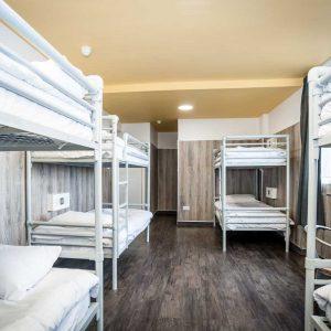 Euro Hostel Glasgow 8 Person Superior Room